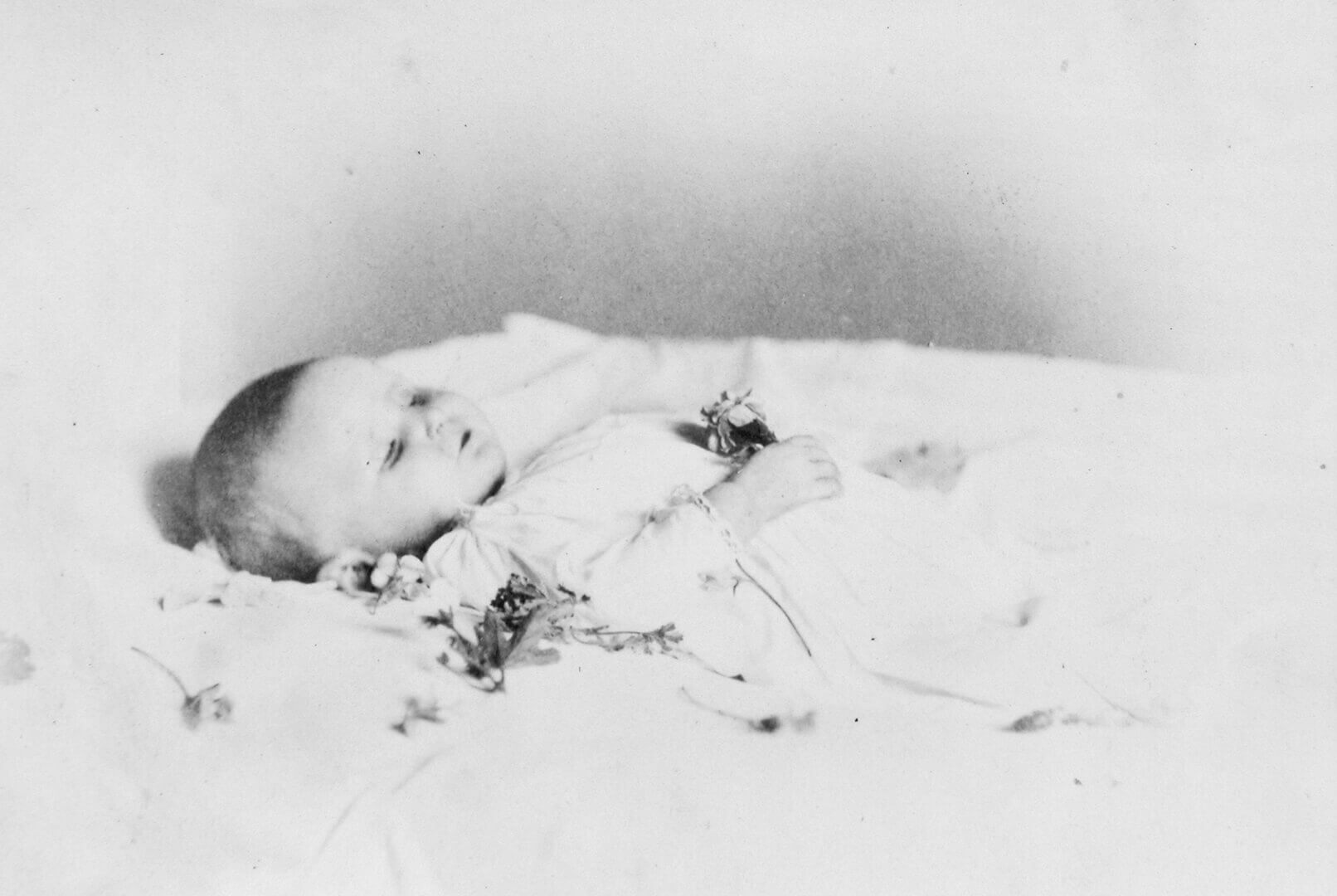 William Notman, Mrs. Hillard's Dead Baby, Montreal, 1868