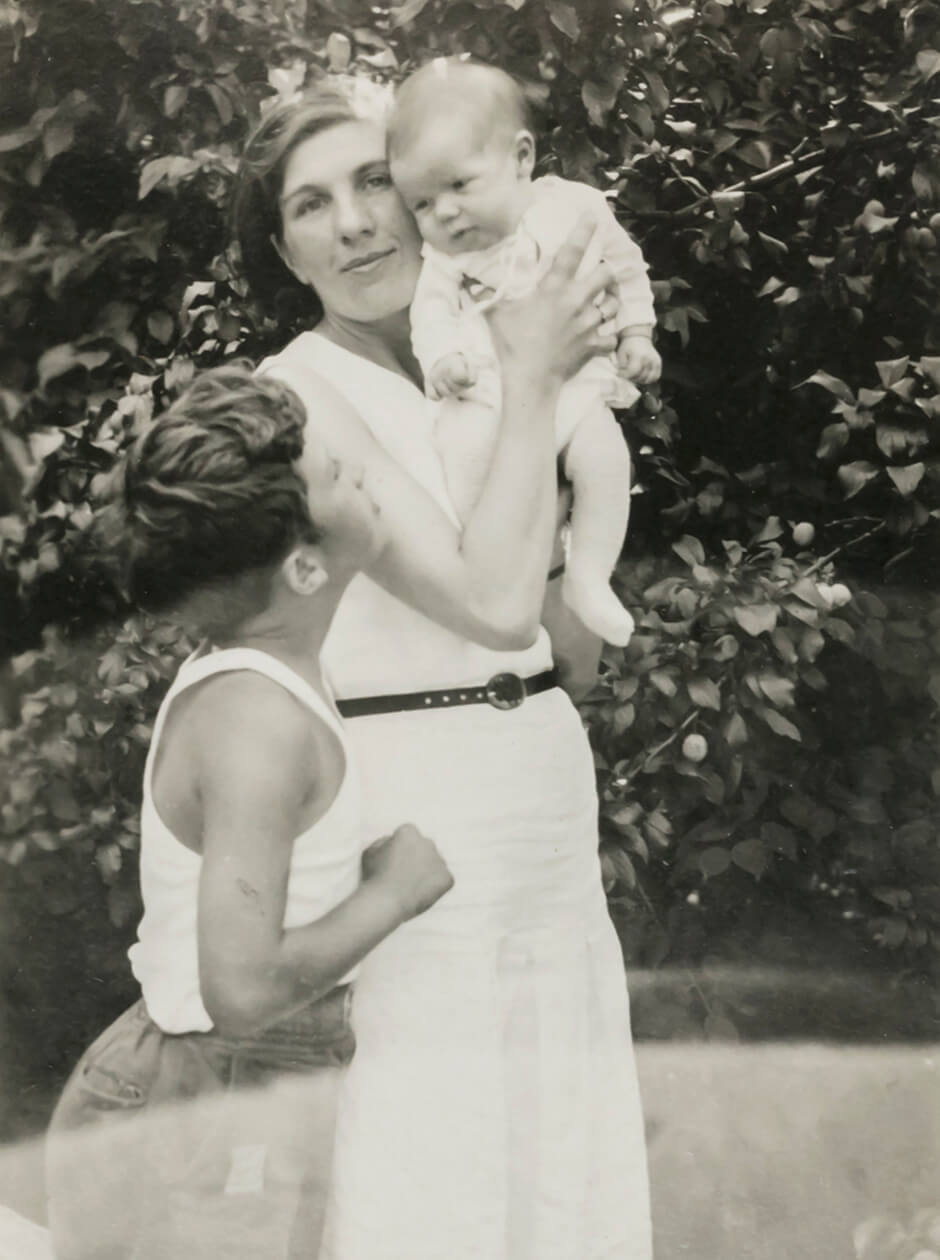 Art Canada Institute, Paraskeva Clark and her sons, Ben and Clive, c. 1933.