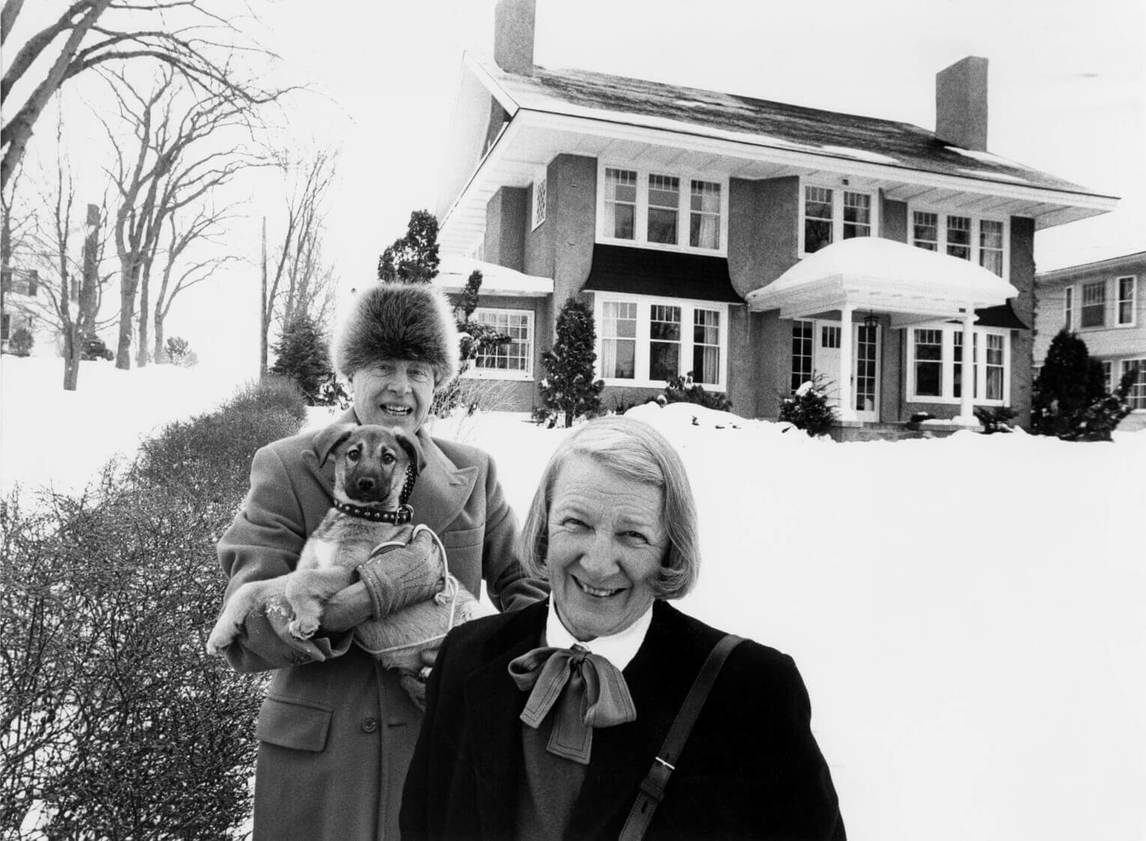 Art Canada Institute, Alex Colville, Alex and Rhoda Colville, with Min, outside their home in Wolfville, Nova Scotia, 1988