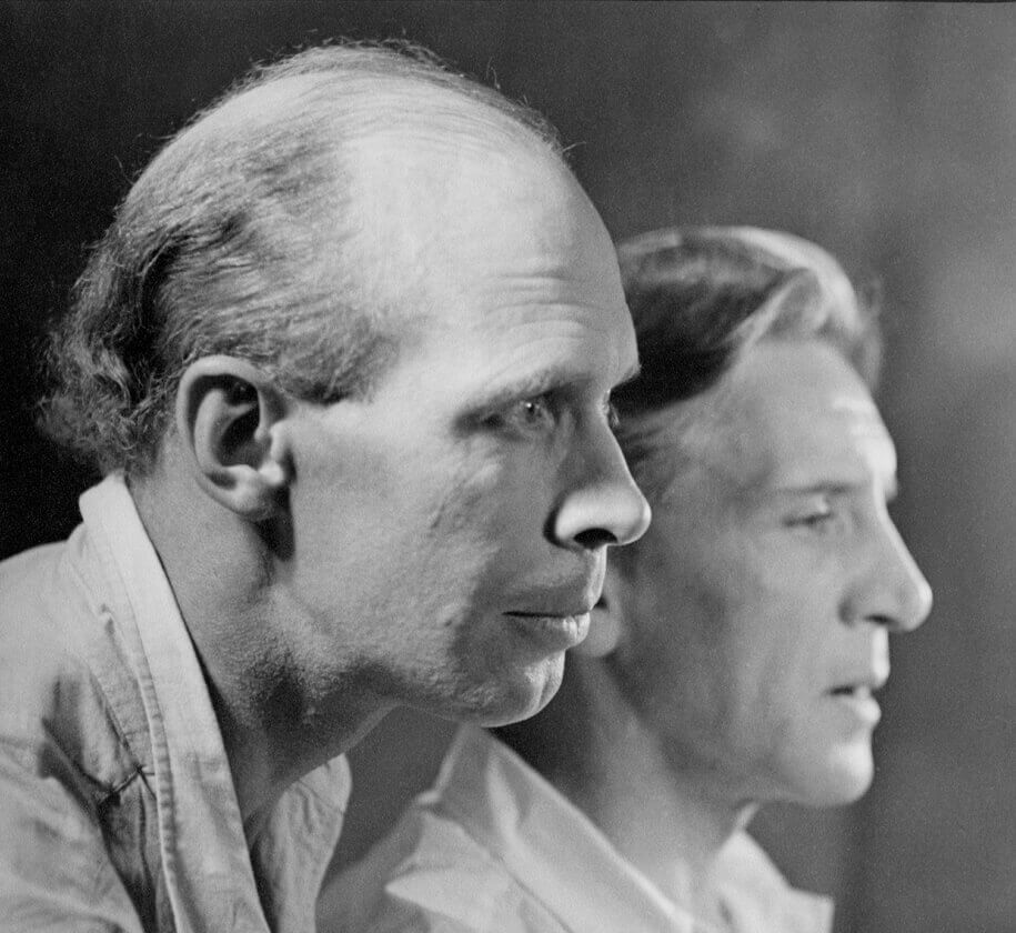 Art Canada Institute, photograph of Lionel LeMoine FitzGerald and Bertram Brooker, July 1936