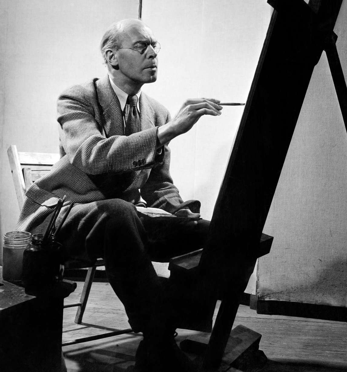 Art Canada Institute, photograph of Lionel LeMoine Fitzgerald, 1946