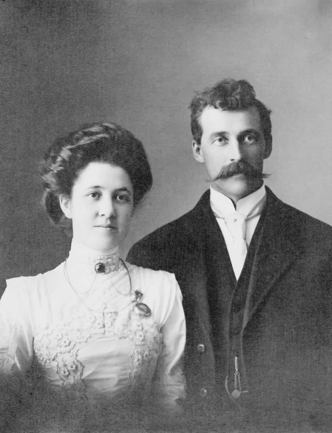Art Canada Institute, photograph of Belle Hicks and Lionel Henry FitzGerald, c. 1890