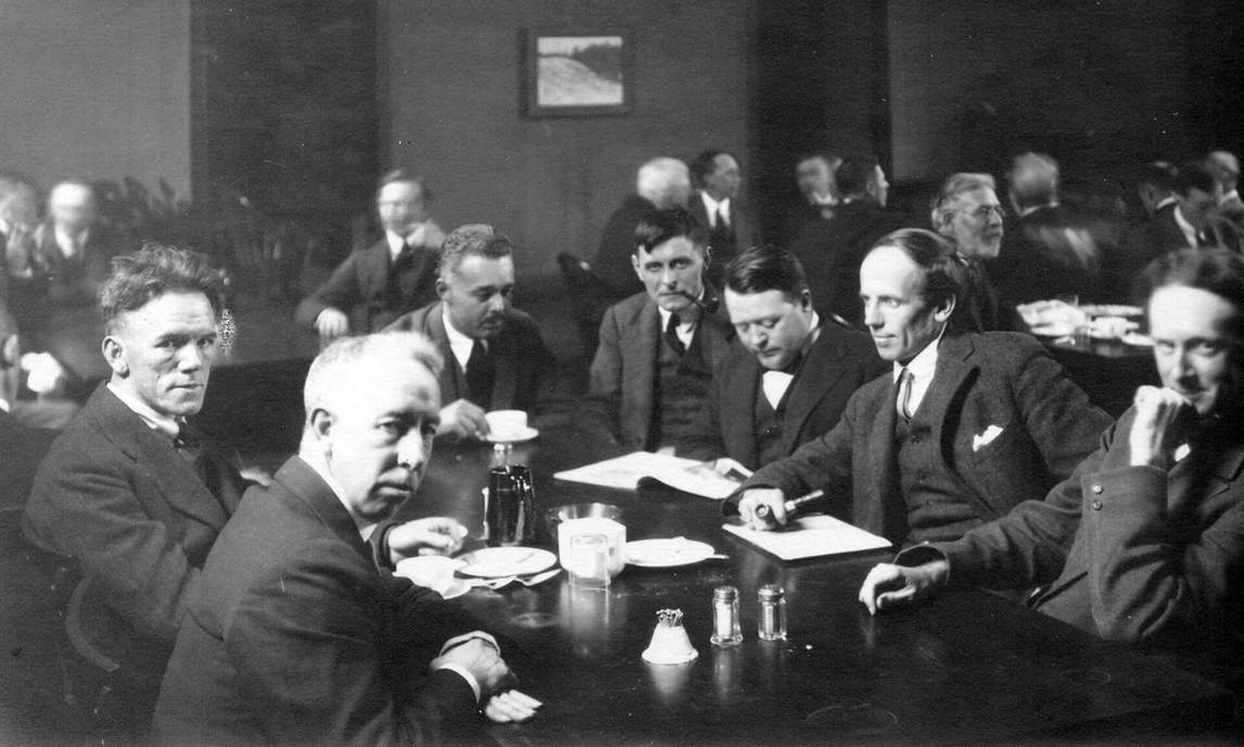 Art Canada Institute, Group of Seven at the Arts and Letters Club in Toronto in 1920
