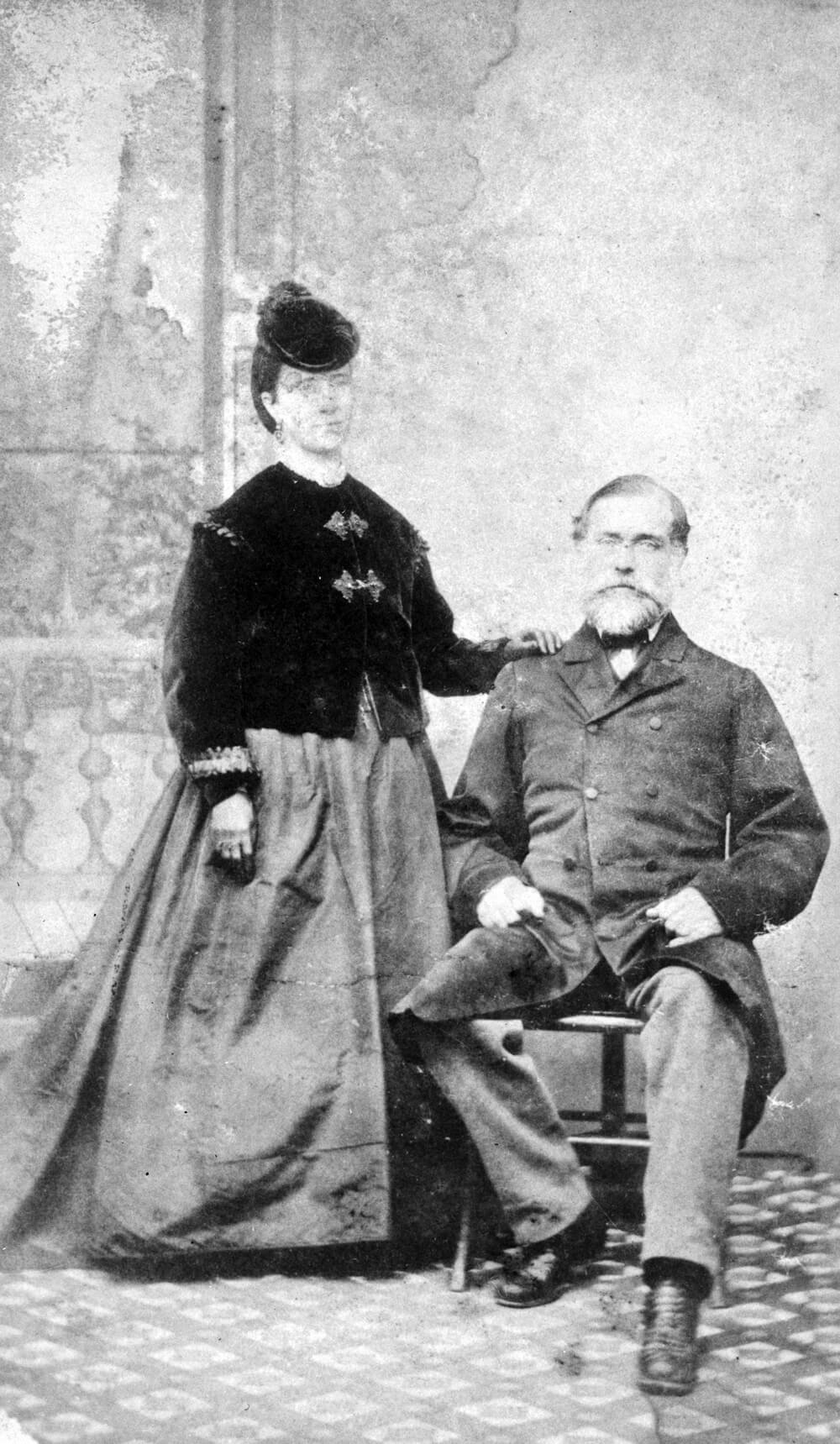 Art Canada Institute, Emily Carr, Studio portrait of Carr's Parents, 1876