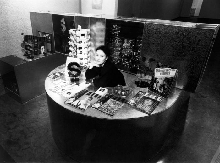 General Idea, La boutique du pavillon de Miss General Idea 1984, 1980